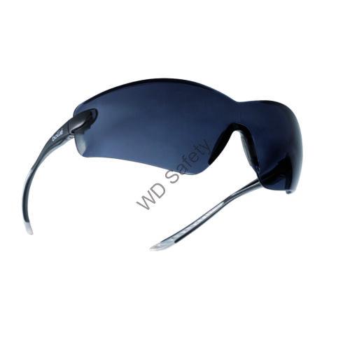 Bollé Cobra védőszemüveg füstszínű lencsével